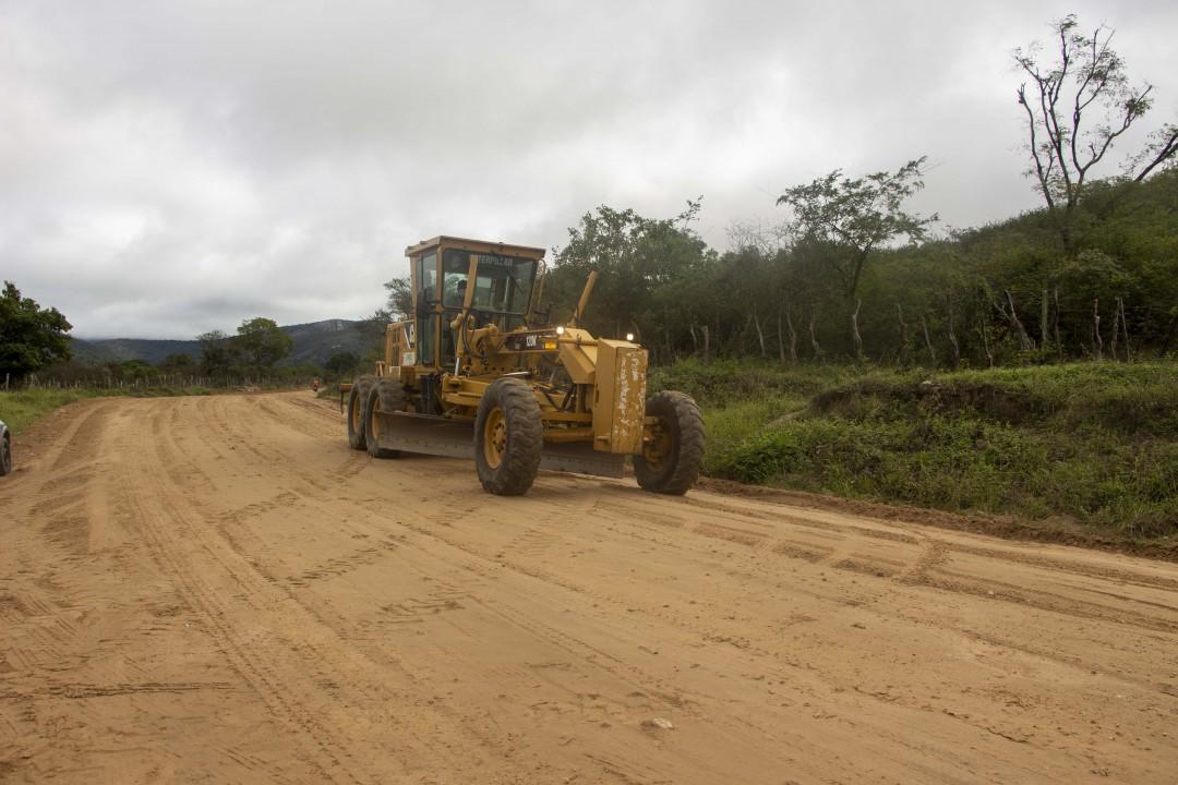 Prefeito de Jaguarari protocola na SEINFRA projeto de  construção da estrada que liga sede à Gameleira e Jacunã